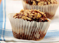 Bran_muffin_with_raisins