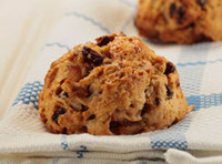 Cinnamon_raisin_scone