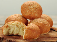 Butter_bread_roll_wseeds